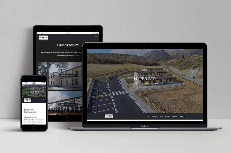 MacBook, ipad e iphone con sito responsive